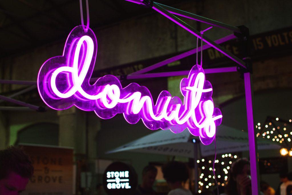 Donuts dessert sign