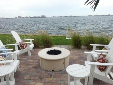 Outdoor Fireplaces, fire pit, and fire bowl gallery