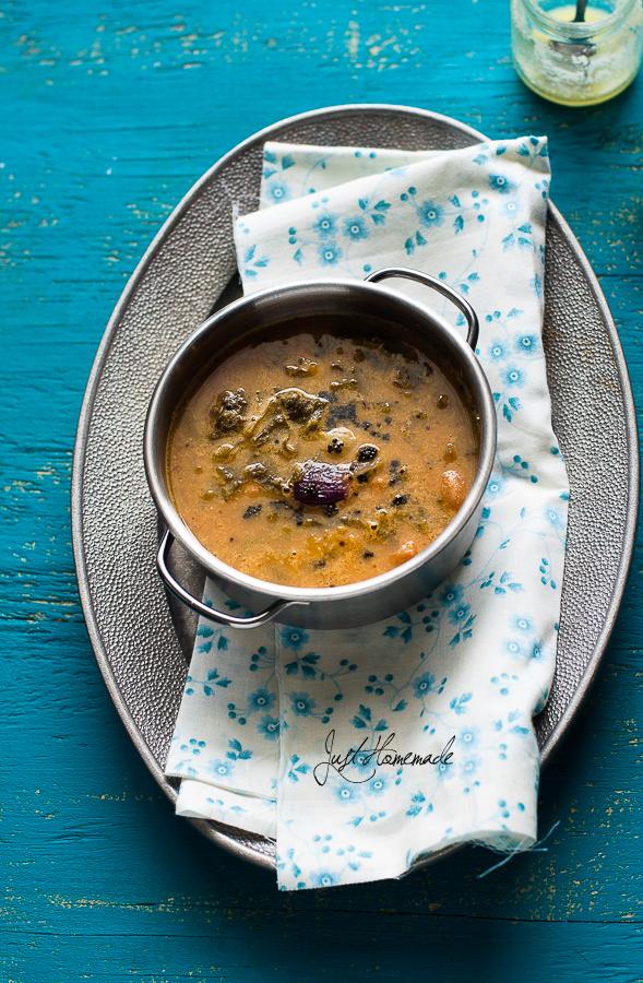 BasaLe soppu Koddel - mangalore style malabar spinach sambar
