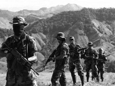 Paramilitares AGC hombres armados