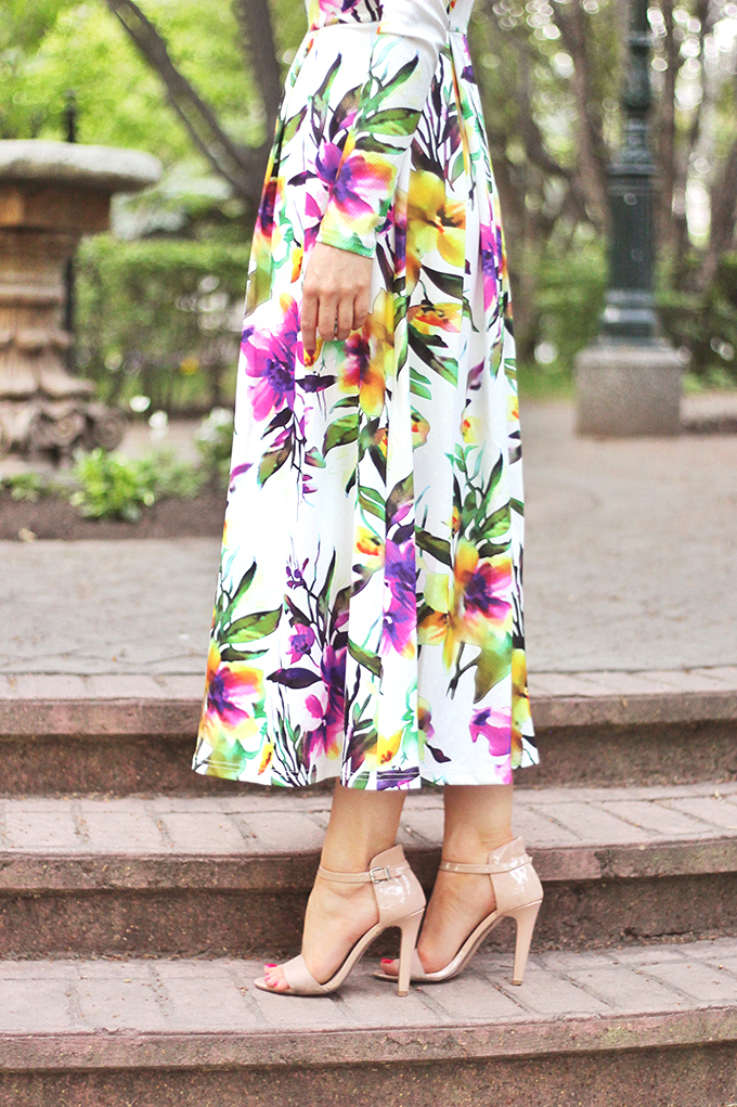 What to Wear to a Spring Wedding | SheIn Muiticolour Long Sleeve Flowery Floral Pastel Dress | Vince Camuto 'Court' Ankle Strap Sandal in Beige | // JustineCelina.com