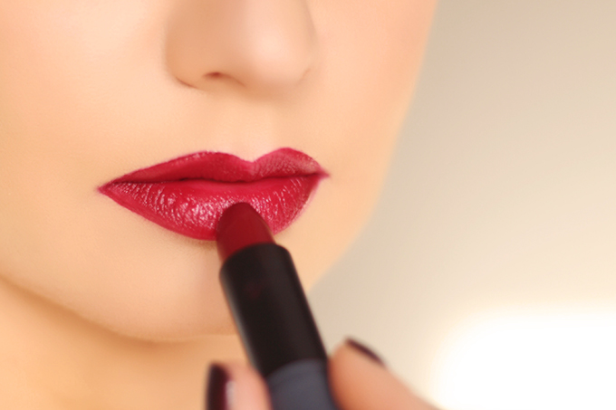 How to Find Your Perfect Red Lipstick | 5 Festive Lipsticks to Try This Holiday Season // JustineCelina.com