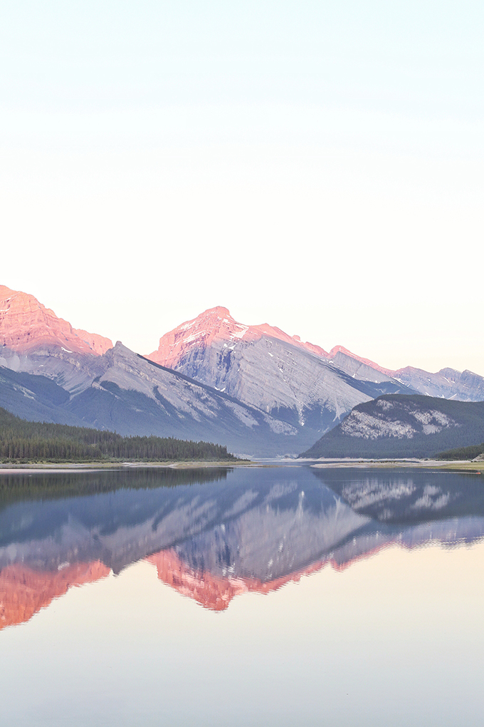 Checking In: 2017 Goals & Cultivating Balance | Pink Sunset over Spray Lakes, Canmore, Alberta // JustineCelina.com