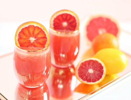 Citrus Season Elixir | The Best Fresh Pressed Citrus Juice | Ruby Red Grapefruit, Blood Oranges, Lemons // JustineCelina.com