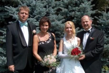 Nașul Klaus Iohannis, finul Huber, consulul Austriei și soțiile.