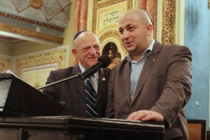 Aurel Vainer (preşedintele Federației Comunităților Evreiești din România - FCER) și deputatul Silviu Vexler, succesorul lui Vainer în Parlamentul României ca deputat al minorității evreiești.