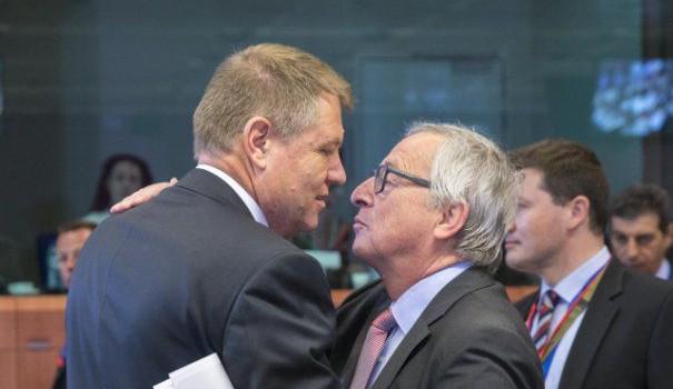 """Klaus Werner Iohannis:""""În chestiuna modificării Constituţiei, încă nu e rândul meu să mă exprim, va veni puţin mai încolo. […]"""