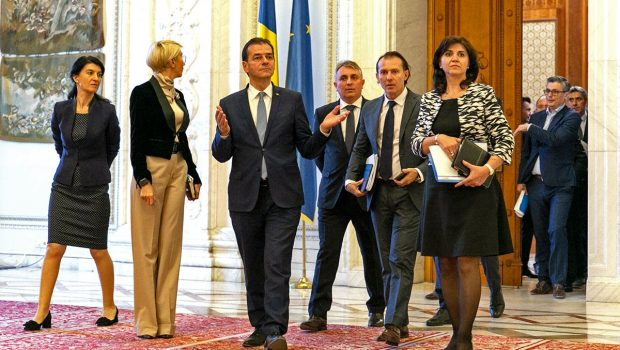 Ce-au făcut Iohannis şi liberalii lui, căzuţi din pom, în criza care zguduie naţia română? Emit şi semnează în […]