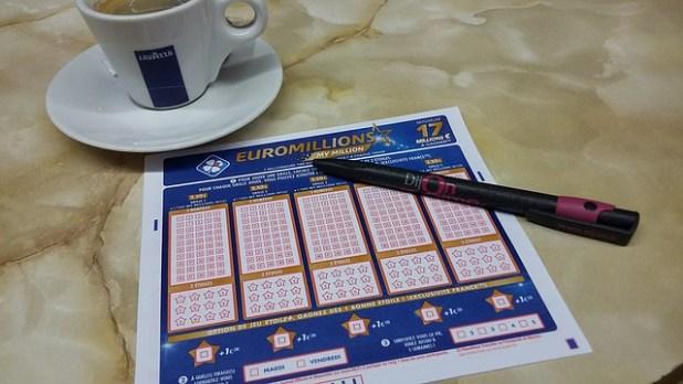 escritura solicitando administración loterias