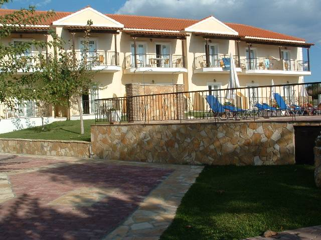 Sotiris Apartments In Svoronata Reviews And Pictures