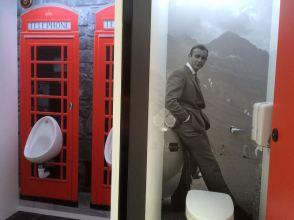 Luxury portable toilet hire