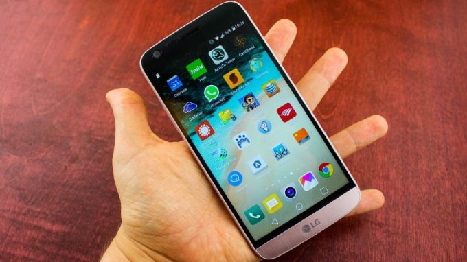 A Hands-On Review of the LG G5: Really a step into the future?