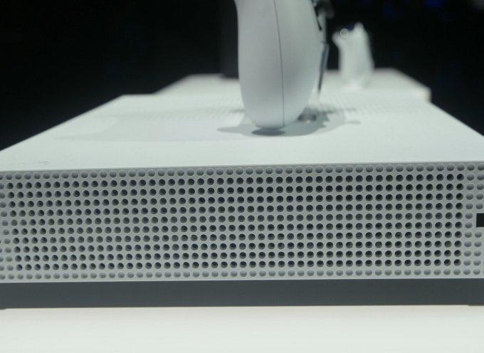 Looking at the Xbox One S: The smallest Xbox One So Far