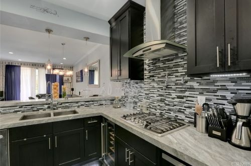 *A stunning photo taken off a real Zillow listing. I would give credit to the photographer, but I do not know who and I also do not want to get a listing flagged for weird traffic.