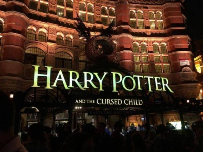 Harry Potter and The Cursed Child scatti fan (2)