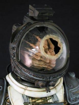 Alien action figure Hot Toys 2