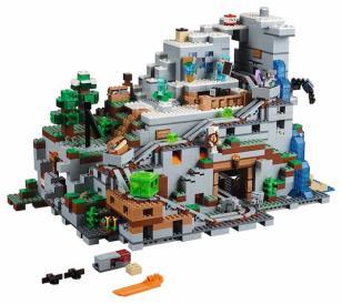 LEGO Minecraft Mountain (3)