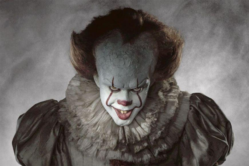 L'inquietante Pennywise in una nuova clip di IT