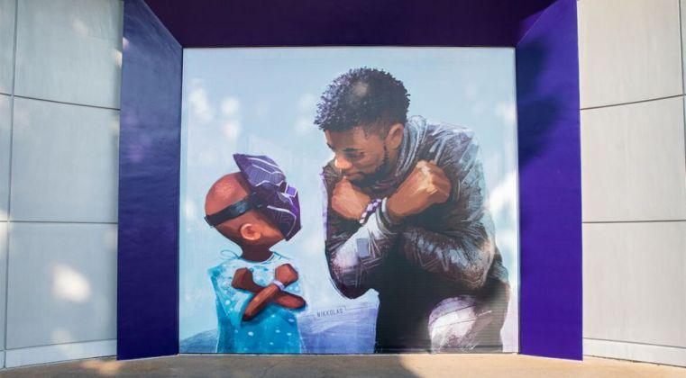 Chadwick Boseman: ecco il murale tributo di Disneyland - Justnerd.it