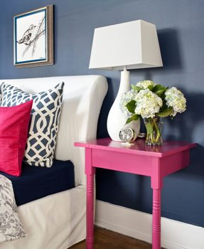pink accent in blue room