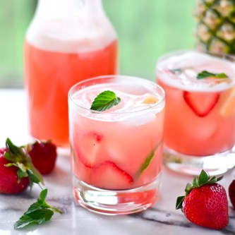 Thirsty Thursdays: Strawberry-Pineapple Agua Frescas