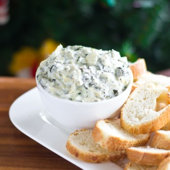 Snacktastic Sundays: Crock Pot Spinach & Artichoke Dip
