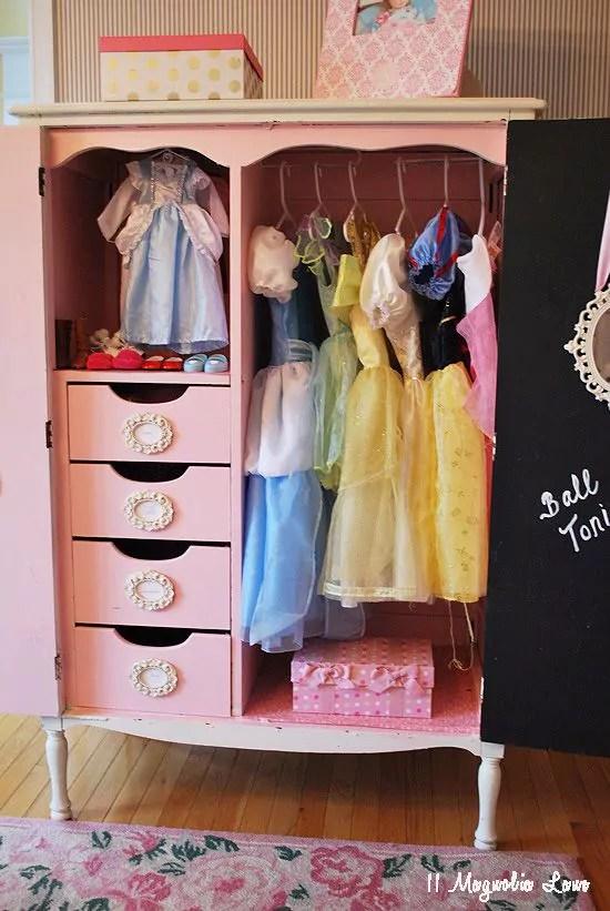 35 ideias para organizar as fantasias das crianças - Just Real Moms