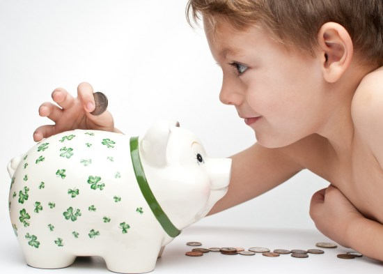 Consumismo infantil: como educar financeiramente - Just Real Moms