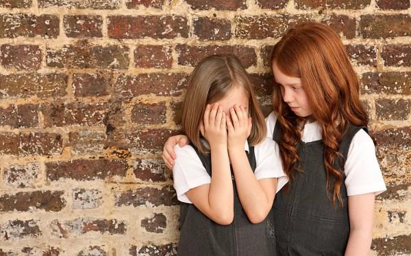 Por que quero que minhas filhas aprendam empatia em vez de mandarim - Just Real Moms
