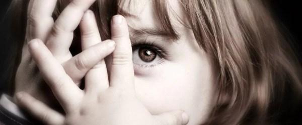 5 atitudes que os pais de crianças tímidas devem evitar - Just Real Moms