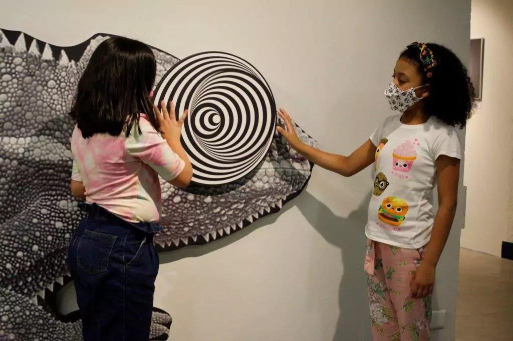 Just Real Moms Museu das Ilusoes Bora Ai Meninas