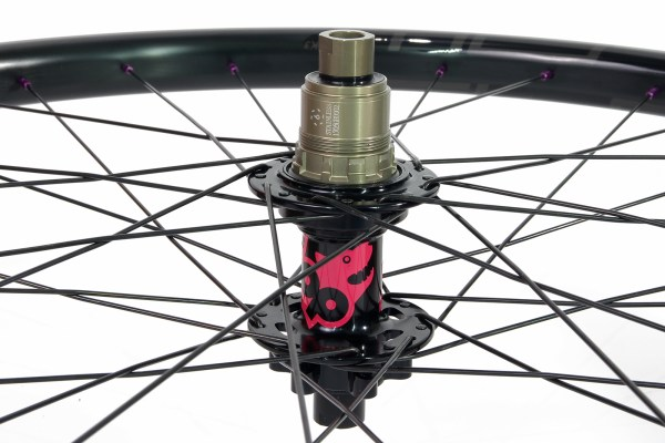 NoTubes rims laced in a 3 cross pattern