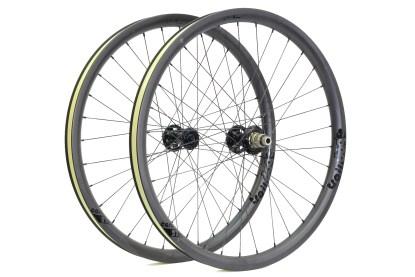 Traildog Enduro carbon 27.5″ wheelset ex demo