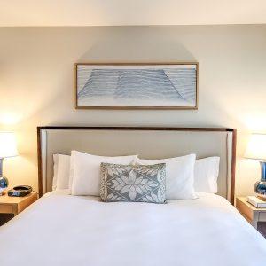 Ritz Carlton Residences Waikiki - Suite Bed