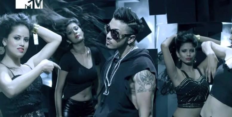 Raftaar - Swag Mera Desi feat Manj Musik