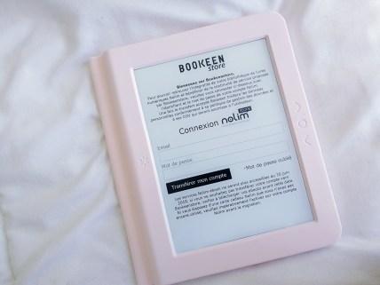 3) Si tu avais un compte Nolimstore connectes-toi pour procéder à la migration de ta biblio vers un compte Bookeenstore