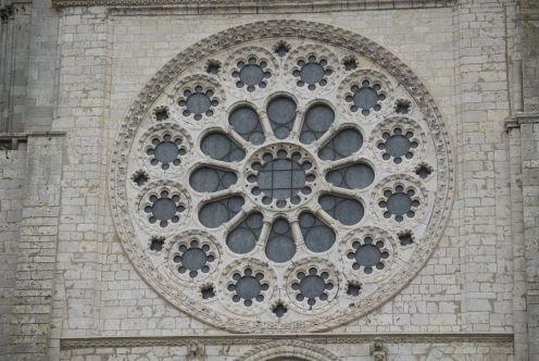 Een van de ramen in de kathedraal