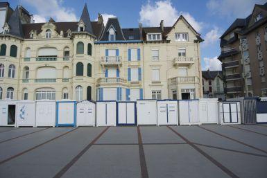 We vragen ons af of je verplicht bent om je badhuis in wit met blauw te schilderen