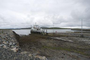 Met zulke uitzichten is wachten op de ferry geen straf.