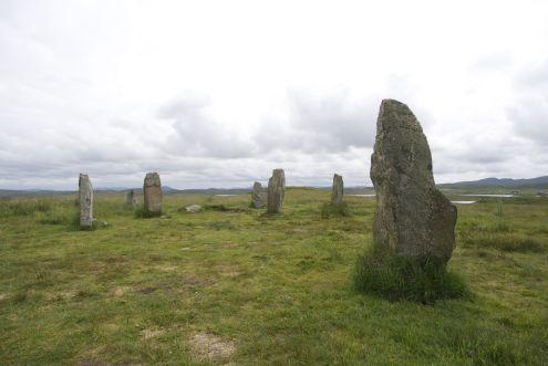Bij Callendish zijn verschillende groepen stenen, bij de kleinere groepen is het gelukkig wel rustig.