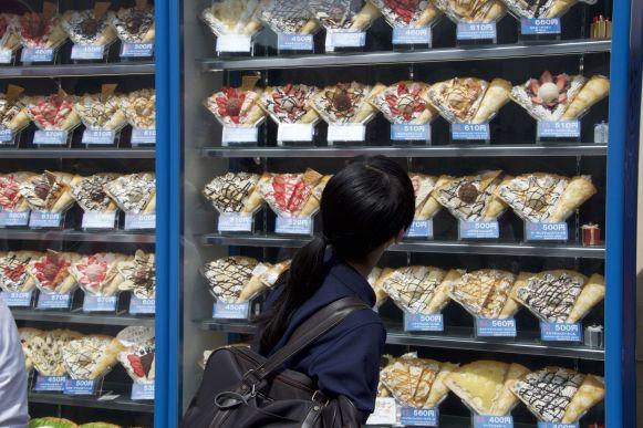 Meer winkels met flensjes met ijs.