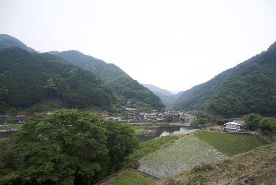 Doorkijkjes tussen de heuvels door