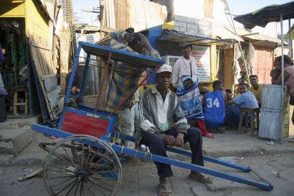 Deze riksja-'chauffeur' (hoe noem je dat?) wilde graag voor ons poseren