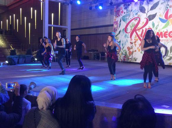 Er worden ook nog een aantal leuke dansshowtjes gegeven