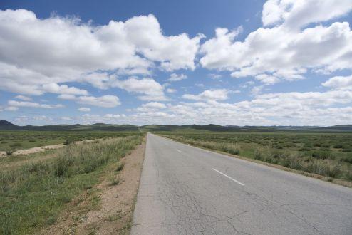 In de loop van de middag wordt de weg vlak.