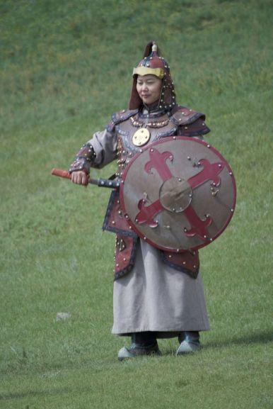 Verkleden als strijder uit de tijd van Dzenghis Khan is ook heel populair.