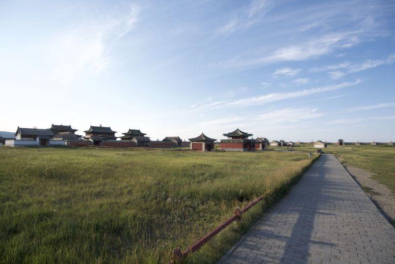 's Avonds hebben we Erdene Zuu bijna helemaal voor ons zelf.