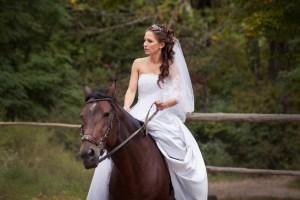 Braut auf einem Pferd Freiburg
