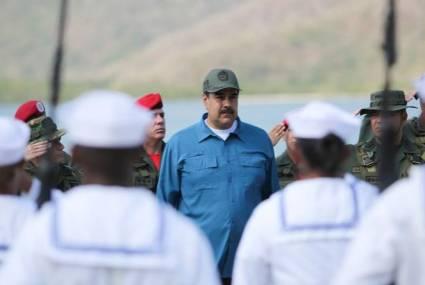 Maduro anuncia recogida de firmas para entregar a la Casa Blanca