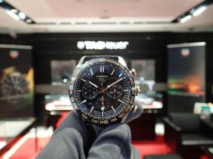 時計選びで迷うなら、バランスの取れたタグホイヤーカレラスポーツクロノグラフ!